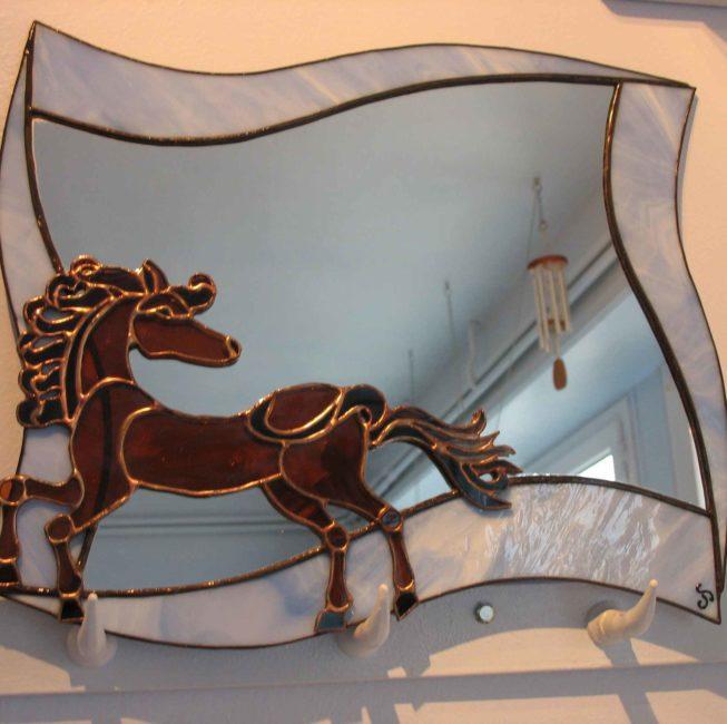 Miroir lumineux cheval stylisé et ethnique d'après pièce celte