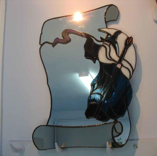 Miroir personnalisé en vitrail Tiffany représentant un sorcier et un parchemin