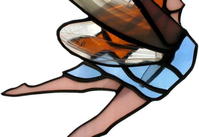 Vitrail mobile à suspendre représentant une fée ailes de verre