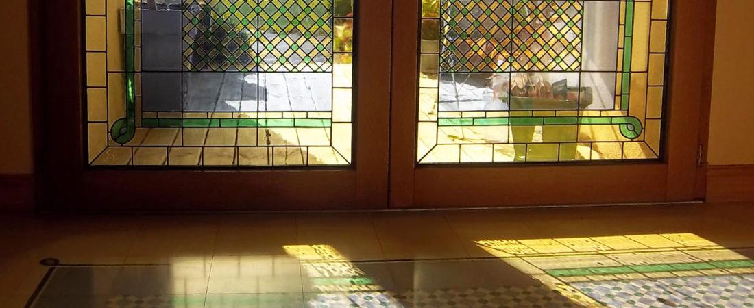 Vitraux de porte en verre cathédrale lumineux personnalisé pour une décoration intérieur unique